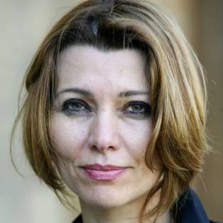 Elif shafak.photo.john welsby026