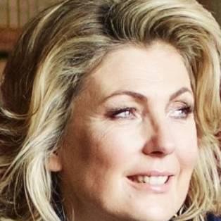 Fiona Carnarvon