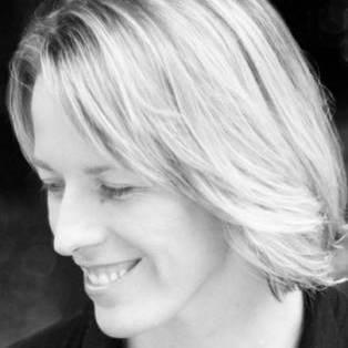 Author / Speaker - Lauren St John
