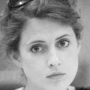 Claudia Renton