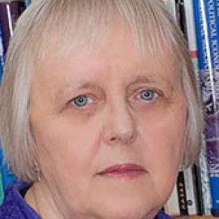 Carole Hillenbrand