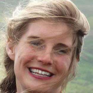 Amanda-owen-(c)-clive-owen
