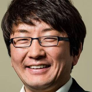 Author / Speaker holding image - Yujin Nagasawa