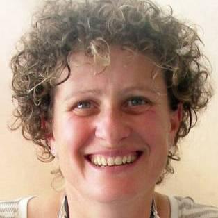 Liz kessler pic with books usa